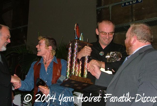 Rob de FOUW (Pays-bas) et son trophée du best wild form (duisbourg 04)